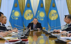 Nursultan Nazarbayev holds meeting on early elections to the Majilis of Parliament