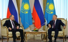 Meeting with President of Russian Federation Vladimir Putin paying a state visit to Kazakhstan