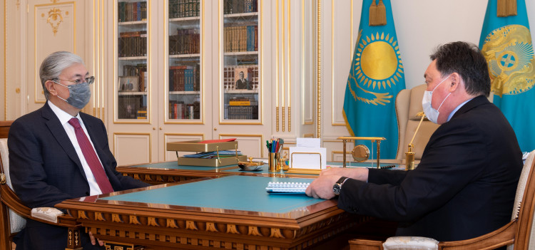 The President receives Prime Minister Askar Mamin